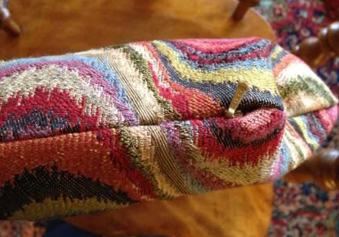 Cushion zipper